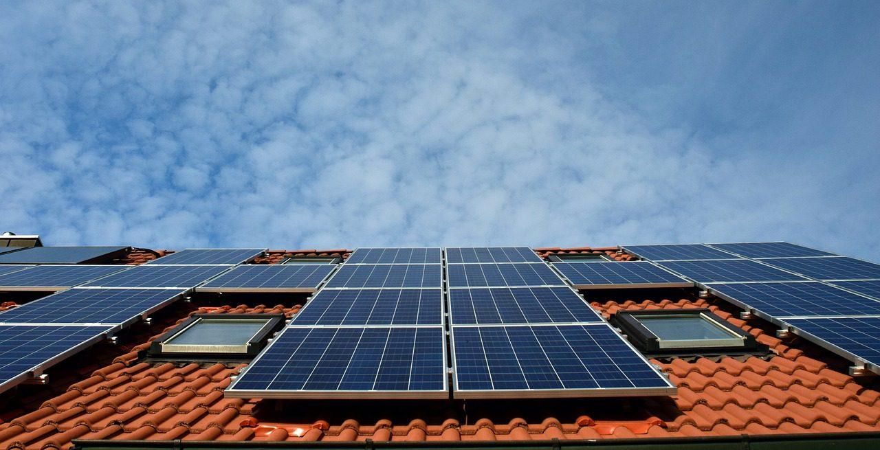 Die Sonnenkraft Für Später Speichern